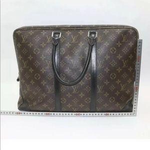100% Authentic Louis Vuitton laptop bag!!!!